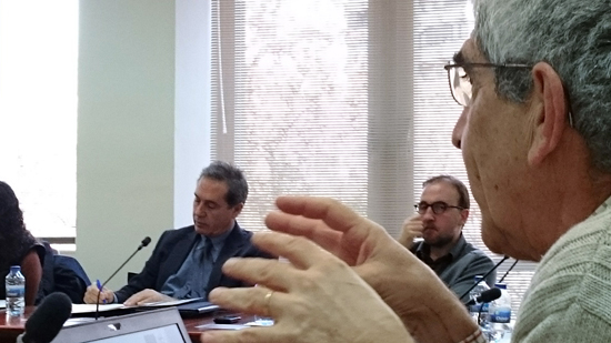 The researcher from IDAEA-CSIC, Francesc Gallart, explaining the functioning of the TREHS tool. Picture: N.Cid.